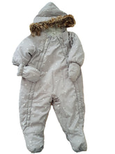 Load image into Gallery viewer, HM girl or boy snowsuit 4-6m