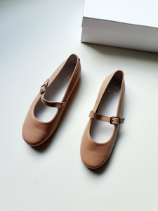AMAIA NEW girl shoes 32