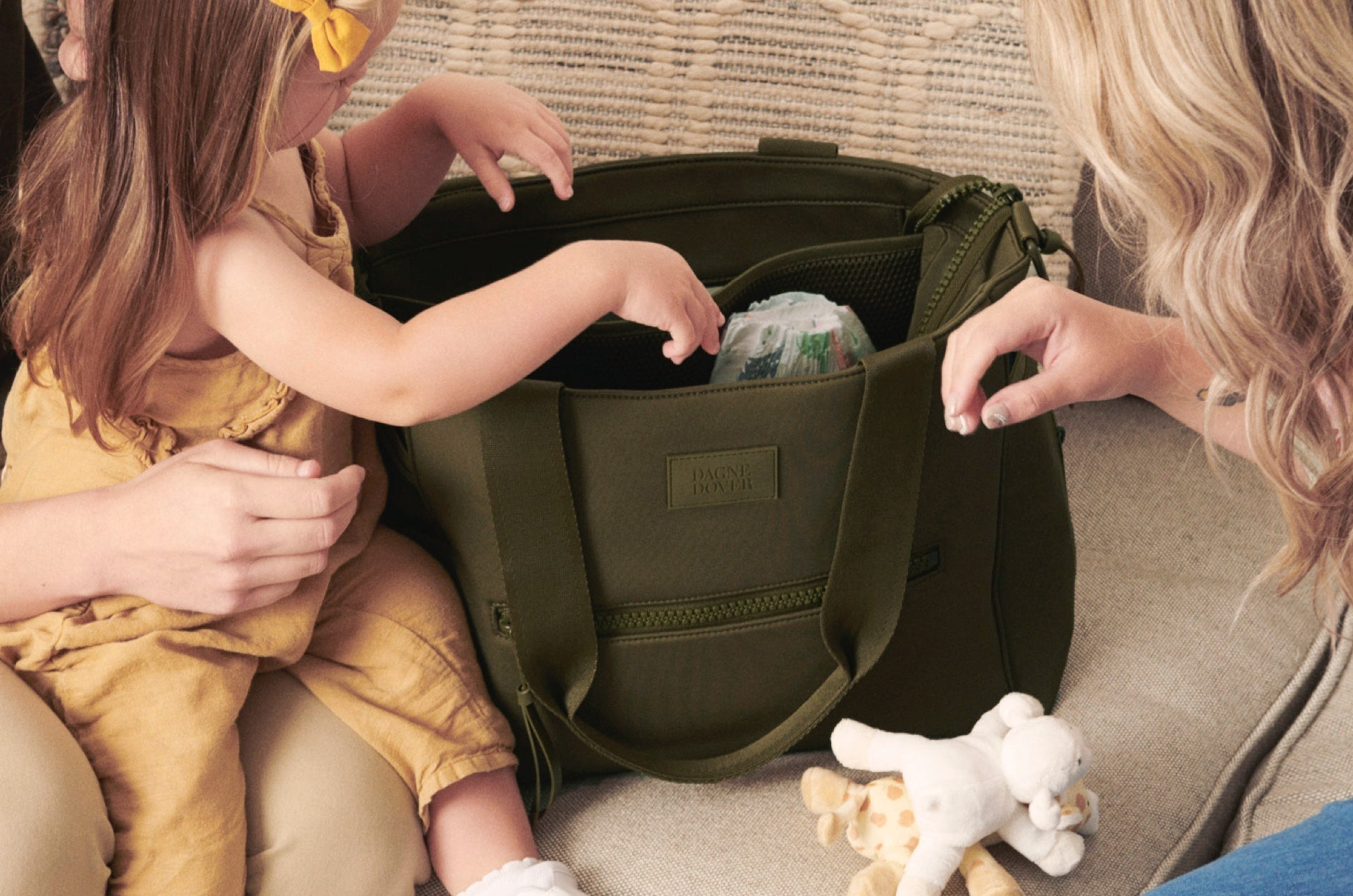 Wade Diaper Tote in Dark Moss