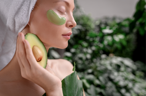 Avocado oil extract can support healing and actually soothe the skin