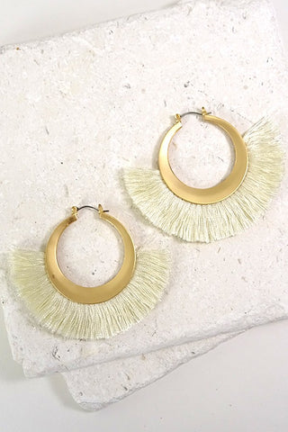 Matte Gold/Cream Finge Earring