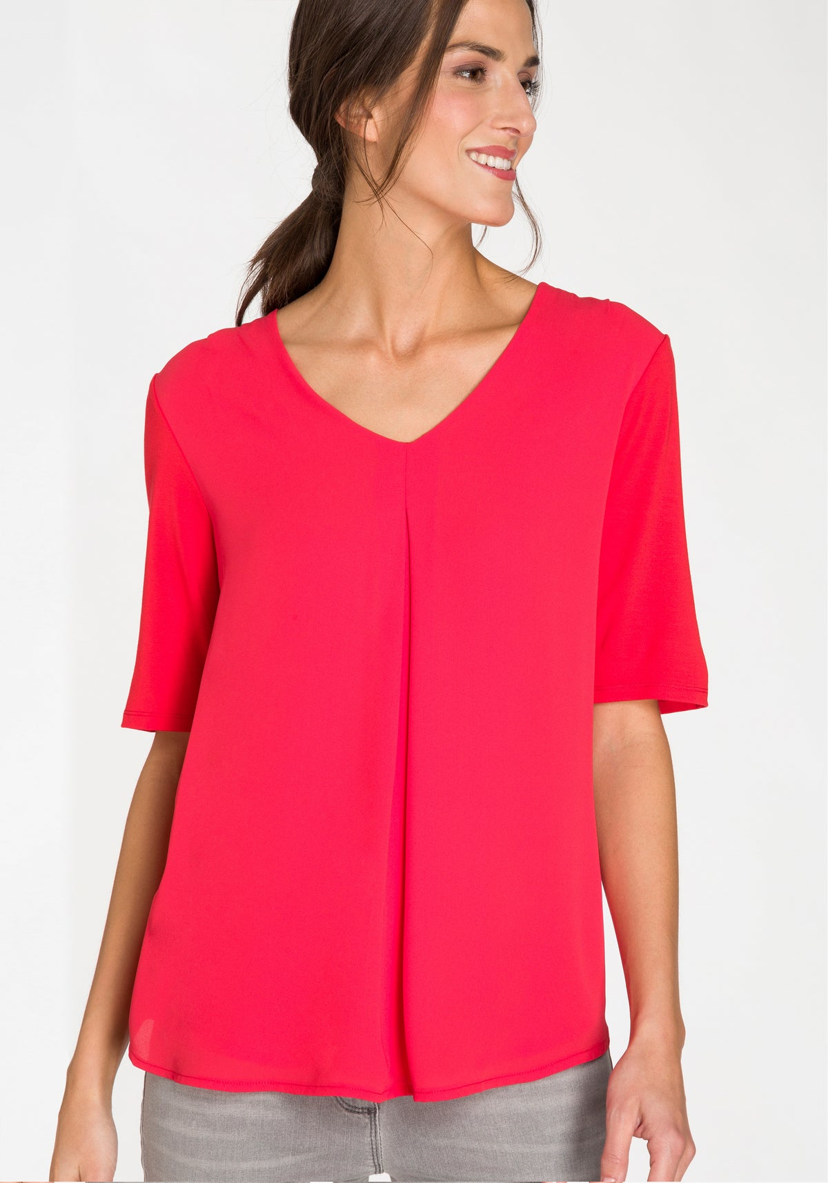 Mid Sleeve V-Neck Solid T-Shirt with Single Front Pleat
