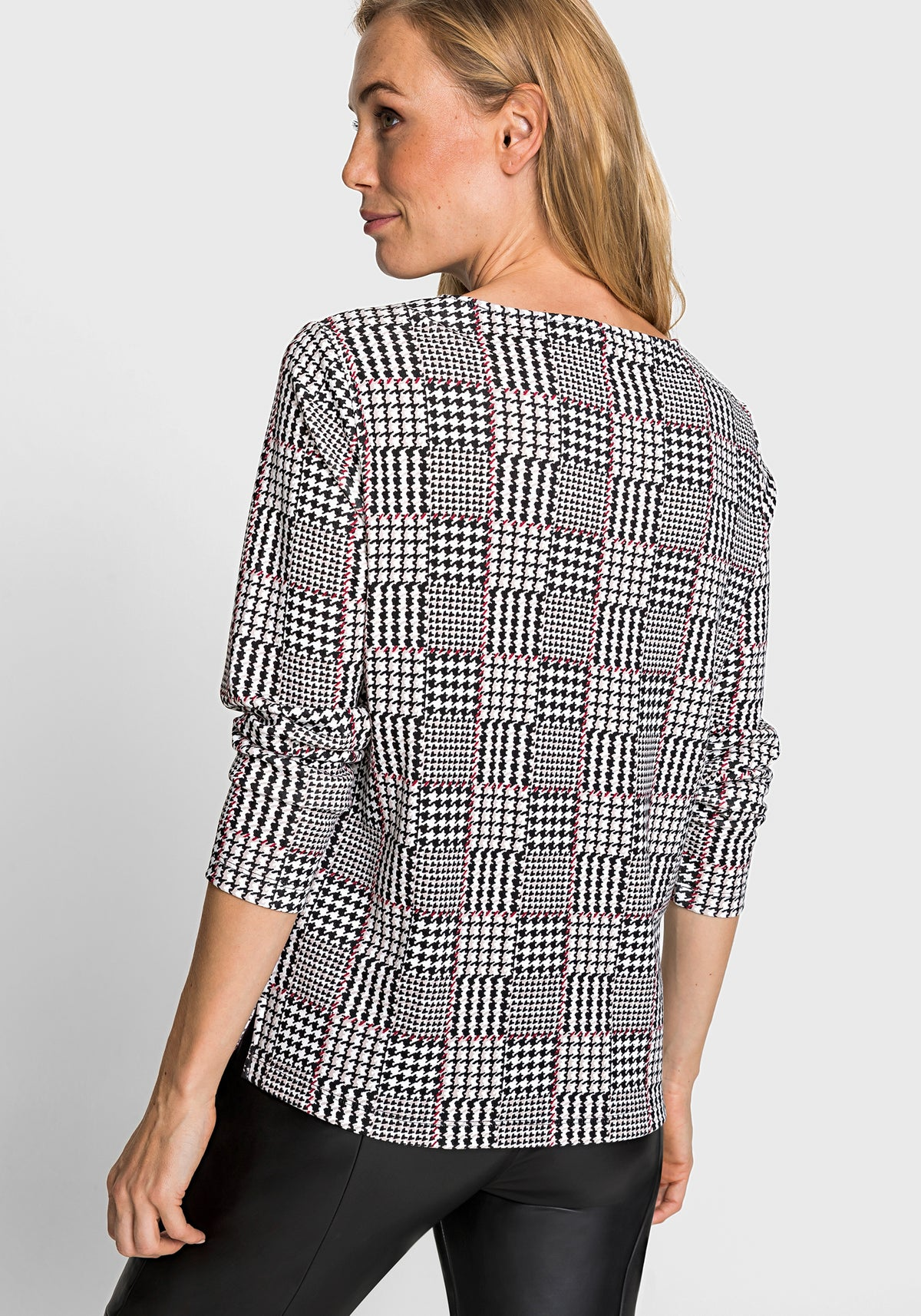 Long Sleeve Houndstooth Checker Print Jersey Knit Top