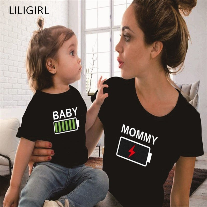 LILIGIRL Summer Mother and Daughter Clothes Family Matching Outfits Battery Funny Black T-shirt Father Mom and Kids Clothing - Hypa Fashion