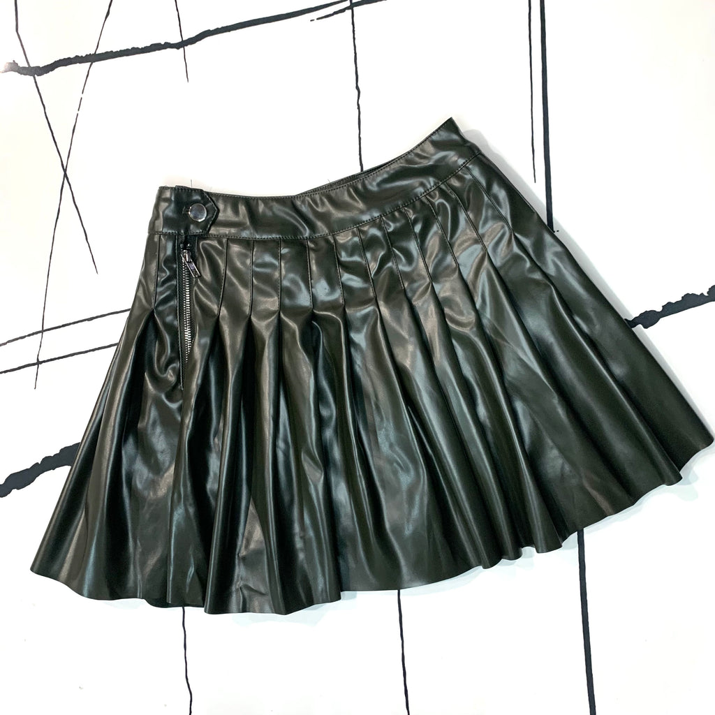 Risky Pleated Skirt