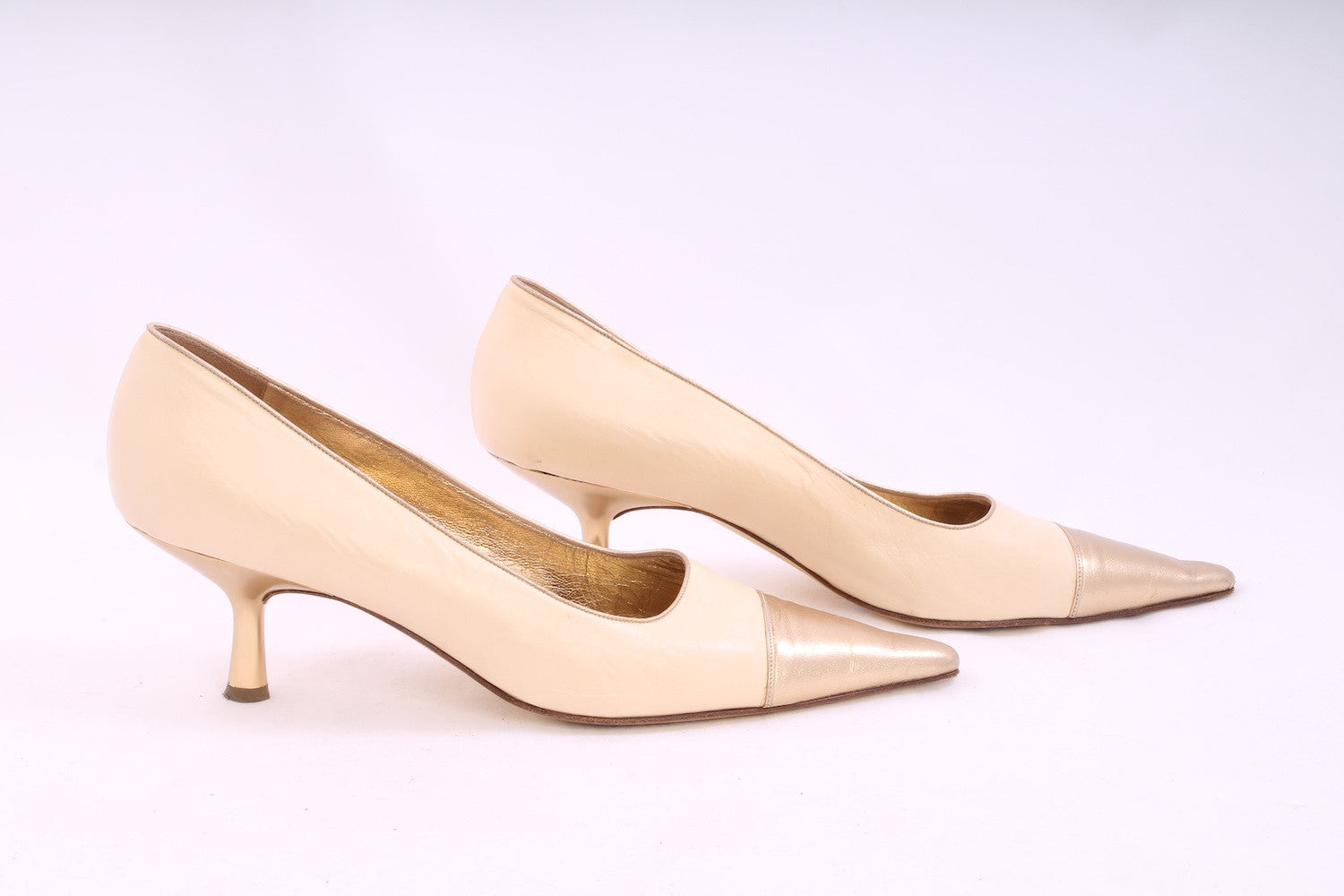 CHANEL Cream Gold Pointed Toe Kitten Heels Size 39.5