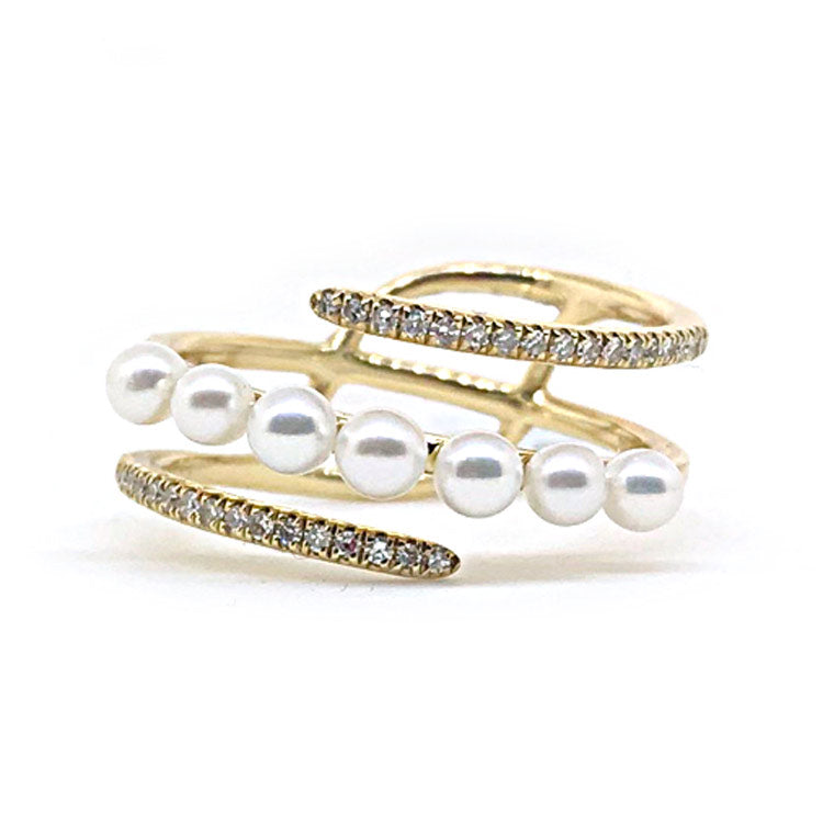 14k Yellow Gold Diamond & Pearl Ring