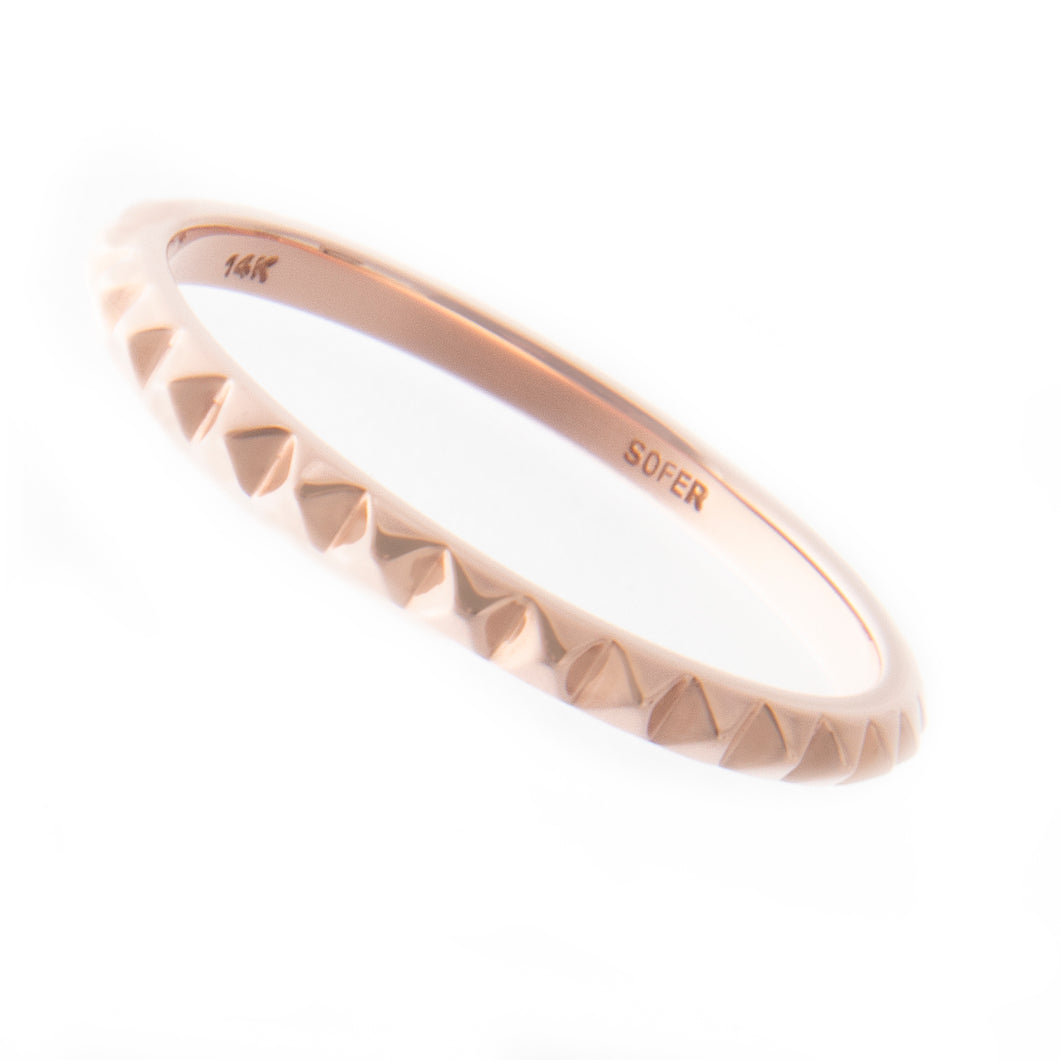 14k rose gold mini pyramid band