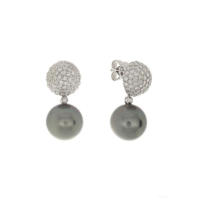 These earrings feature a cluster of round brilliant cut diamonds that total 1.55cts with a 12mm Tahitian pearl drop.