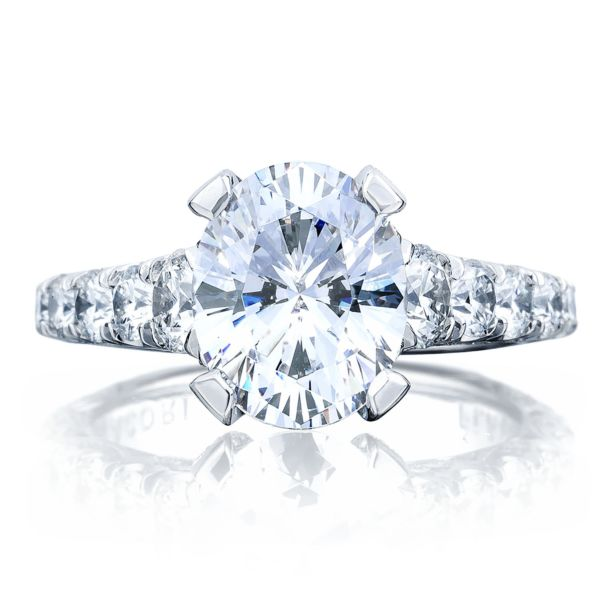 Tacori RoyalT Graduated Prong Set Oval Diamond Engagement Ring
