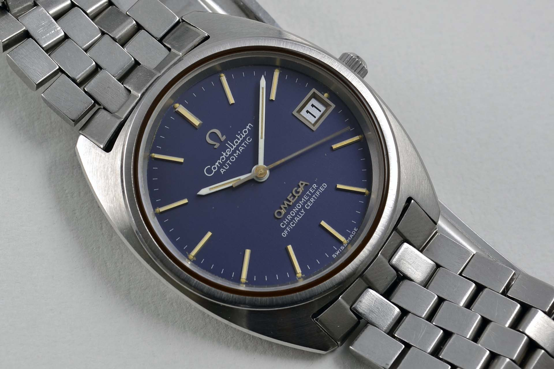 Omega Constellation C Shape Bleu 168.0056 early 1970 - LumeVille