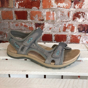 Earth Spirit - Frost Grey 'Frisco' Strap Leather Sandal