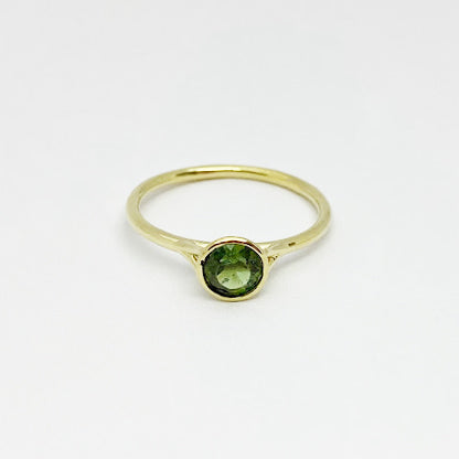 18ky Green Tourmaline Bezel Ring - eklektic jewelry studio