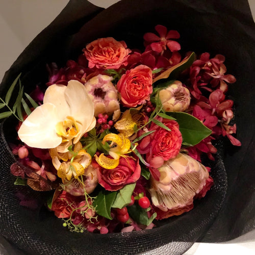 The Autumn Daze floral Posy is the perfect floral Posy for all occasions, Birthday, Happy Birthday, Anniversary, Sympathy, New baby, Thank-you, Welcome Home, All the Best and can be delivered to any Melbourne Suburbs, Melbourne City, Bayside suburbs and Port Melbourne