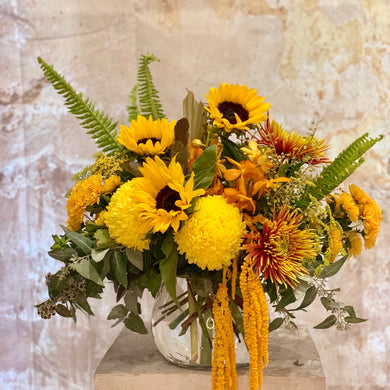 The Bright and Vibrant flower arrangement is the perfect choice for all occasions, Birthday, Happy Birthday, Anniversary, Sympathy, New baby, Thank-you, Welcome Home, All the Best and can be delivered to any Melbourne Suburbs, Melbourne City, Bayside suburbs and Port Melbourne