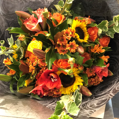 The Bright and Vibrant Bouquet is the perfect bouquet for all occasions, Birthday, Happy Birthday, Anniversary, Sympathy, New baby, Thank-you, Welcome Home, All the Best and can be delivered to any Melbourne Suburbs, Melbourne City, Bayside suburbs and Port Melbourne