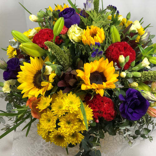 The Bright and Vibrant floral Posy is the perfect floral Posy for all occasions, Birthday, Happy Birthday, Anniversary, Sympathy, New baby, Thank-you, Welcome Home, All the Best and can be delivered to any Melbourne Suburbs, Melbourne City, Bayside suburbs and Port Melbourne