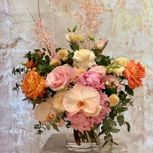 The Pretty & Pastel flower arrangement is the perfect choice for all occasions, Birthday, Happy Birthday, Anniversary, Sympathy, New baby, Thank-you, Welcome Home, All the Best and can be delivered to any Melbourne Suburbs, Melbourne City, Bayside suburbs and Port Melbourne