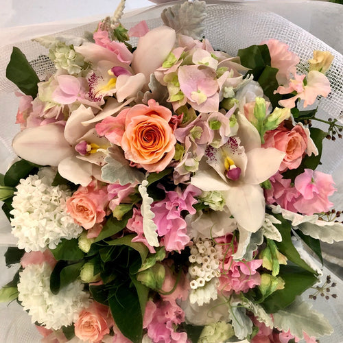 The Pretty and Pastel floral Posy is the perfect floral Posy for all occasions, Birthday, Happy Birthday, Anniversary, Sympathy, New baby, Thank-you, Welcome Home, All the Best and can be delivered to any Melbourne Suburbs, Melbourne City, Bayside suburbs and Port Melbourne