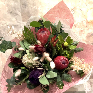 The Rustic Native bouquet is the perfect bouquet for all occasions, Birthday, Happy Birthday, Anniversary, Sympathy, New baby, Thank-you, Welcome Home, All the Best and can be delivered to any Melbourne Suburbs, Melbourne City, Bayside suburbs and Port Melbourne