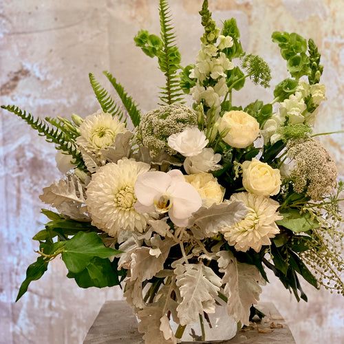 The White and Green flower arrangement is the perfect choice for all occasions, Birthday, Happy Birthday, Anniversary, Sympathy, New baby, Thank-you, Welcome Home, All the Best and can be delivered to any Melbourne Suburbs, Melbourne City, Bayside suburbs and Port Melbourne