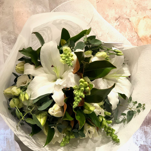 The White and Green Bouquet is the perfect bouquet for all occasions, Birthday, Happy Birthday, Anniversary, Sympathy, New baby, Thank-you, Welcome Home, All the Best and can be delivered to any Melbourne Suburbs, Melbourne City, Bayside suburbs and Port Melbourne