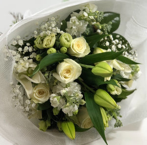 The White and Green floral Posy is the perfect floral Posy for all occasions, Birthday, Happy Birthday, Anniversary, Sympathy, New baby, Thank-you, Welcome Home, All the Best and can be delivered to any Melbourne Suburbs, Melbourne City, Bayside suburbs and Port Melbourne