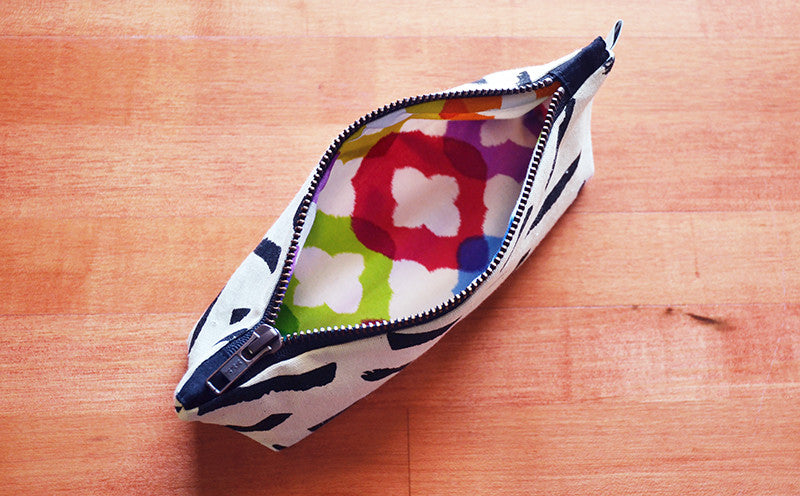 Pattern of the Month Project | Rainbow Lining | Hand Printed Pouch by Liz Sabo