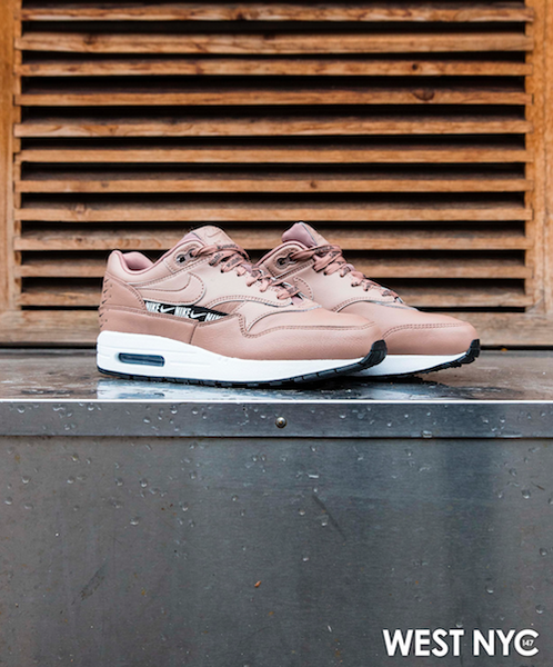 Air Max 1 SE Overbranded Silver
