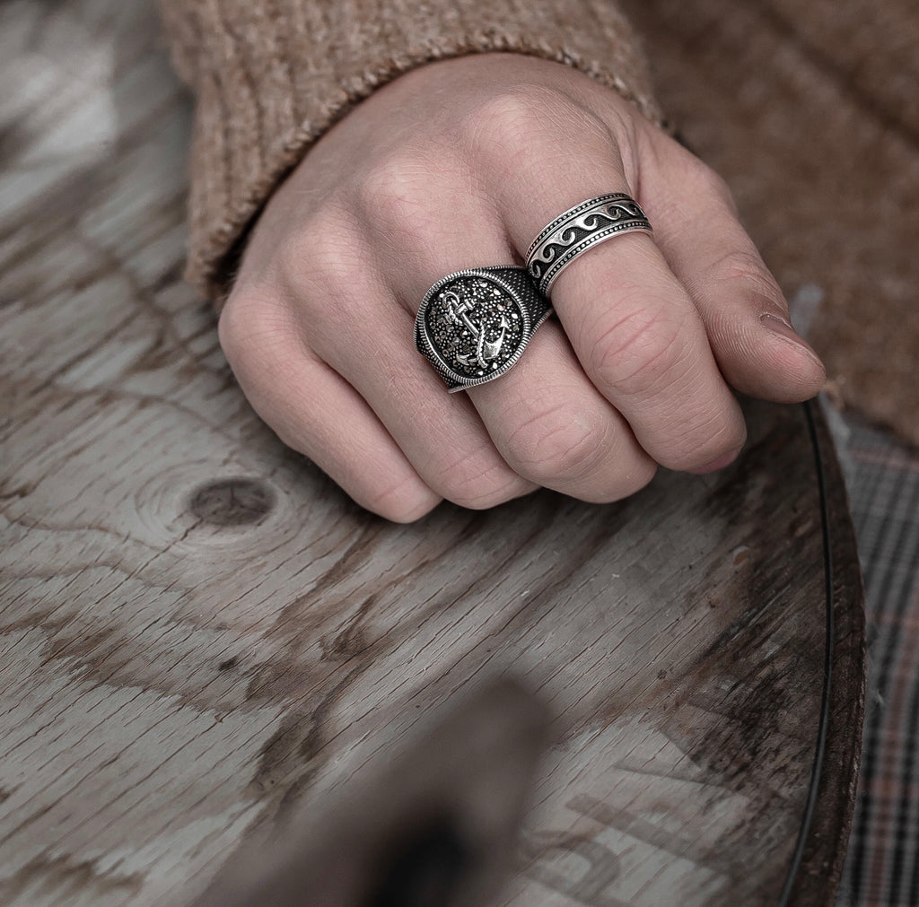 NIXIR ring/ Jewelry/ Silver jewelry/ London/ Jewelry designer/ Handmade jewelry