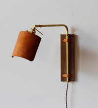 Load image into Gallery viewer, Ava Wall Sconce