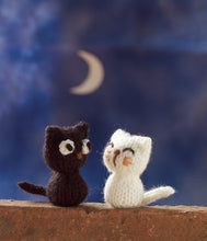 Load image into Gallery viewer, 20 To Make: Tiny Toys to Knit
