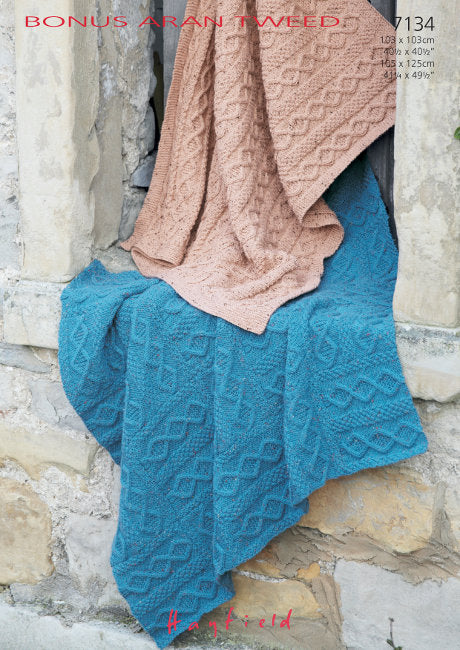 Sirdar Pattern 7134: Blankets in Bonus Aran Tweed