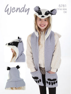 Wendy Pattern 5781: All-in-one Badger Scarf, Hat & Mitts in DK
