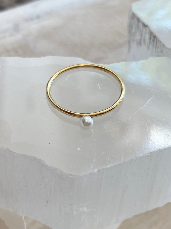 GIVE YOURSELF GRACE | MINI PEARL RING