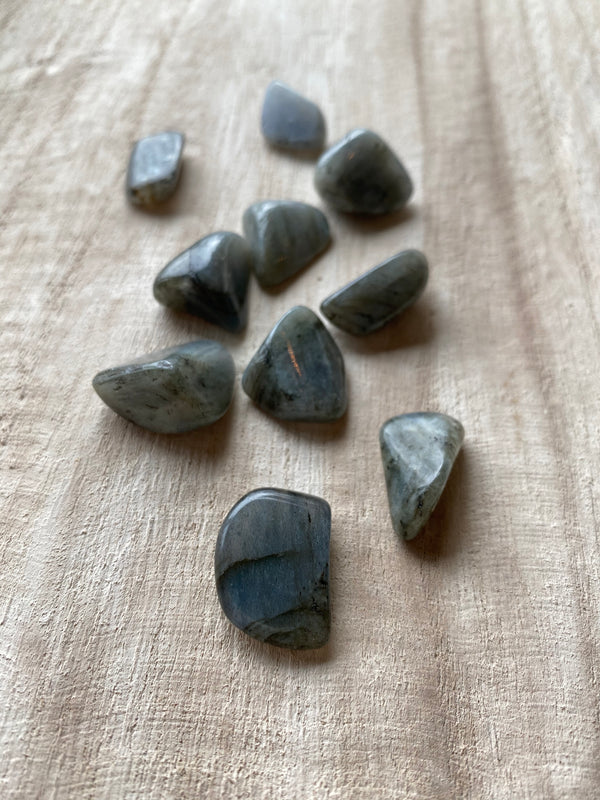 LABRADORITE TOUCHSTONE | TRANSITION + INTUITION