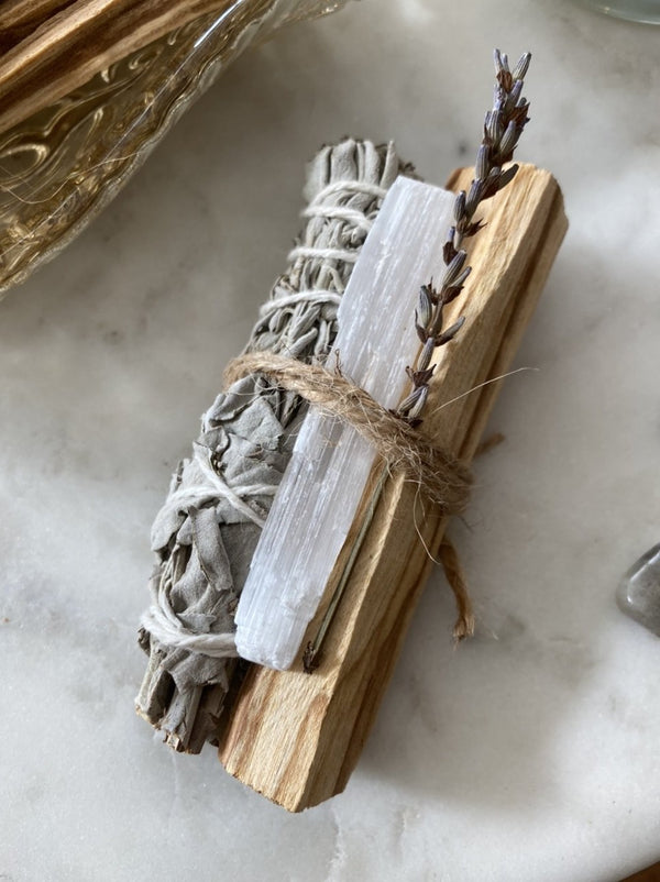 ENERGY CLEANSING BUNDLE | sage. palo santo. selenite.