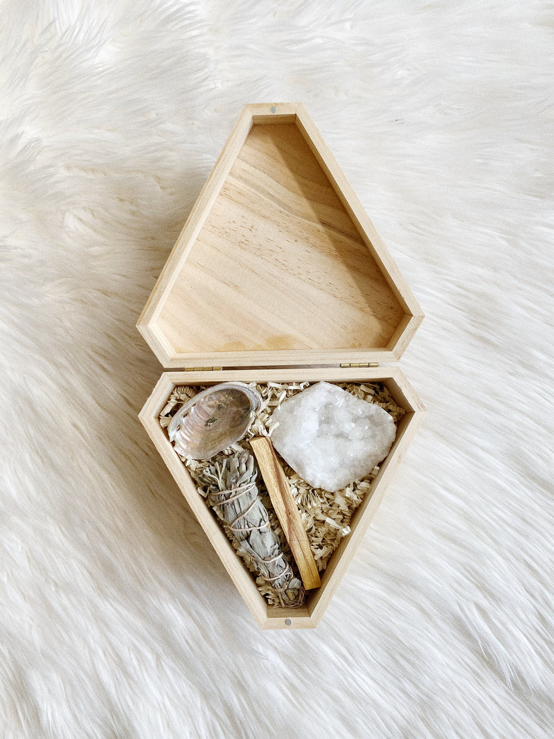 housewarming bundle set, crystal, sage, Palo Santo energy Feng Shui