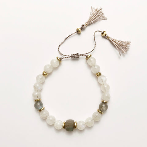 MOMMY AND ME SANDALWOOD AND WHITE BEADED BRACELET SET