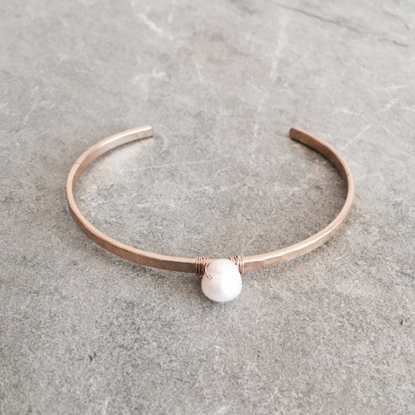 SIMPLE PEARL CUFF - STYLE 617