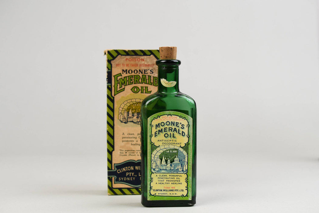 A Moone's Emerald Oil Bottle c.1940 - Greystones Antiques
