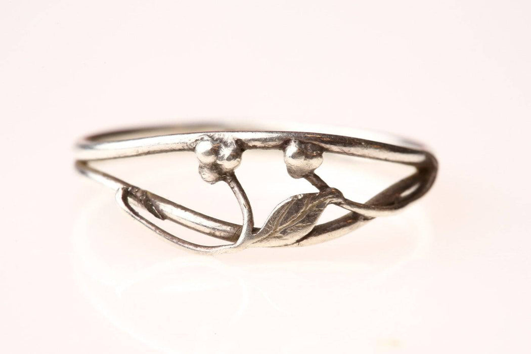 A Sterling Silver Gumnut Ring - Greystones Antiques