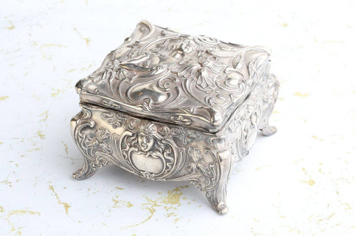 An Art Nouveau Silver Plated Jewellery Casket c.1890 - Greystones Antiques
