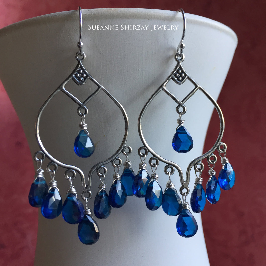 dolce vita classic blue color of the year 2020 earrings