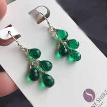 Load image into Gallery viewer, Emerald Petite Cluster Earrings