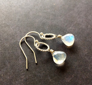 Hooplette, Rainbow Moonstone