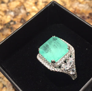 Glowing Green Paraiba Tourmaline Sparkler Ring size 8
