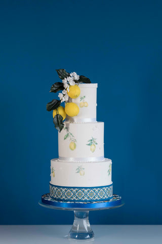 Cheshire wedding cake inspired by the lemons of Amalfi