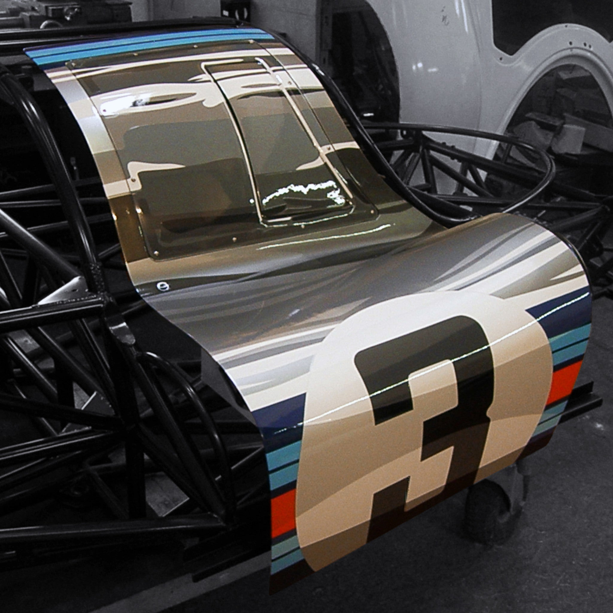 Martini 917 Art Door