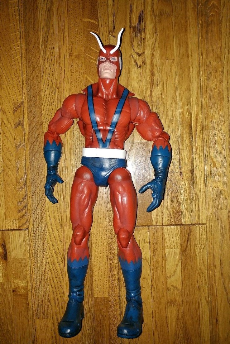 figurine marvel giant man
